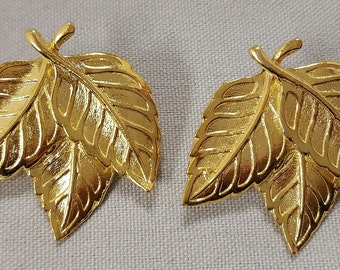 "Pair Vintage Gold Plated Multi Leave 1.25"" Pierced Earrings   S45"