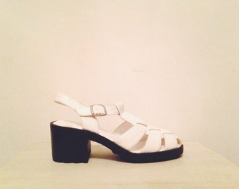 90s white chunky platform strappy sandals, mod black and white slingback huaraches, size 7 - vintage -