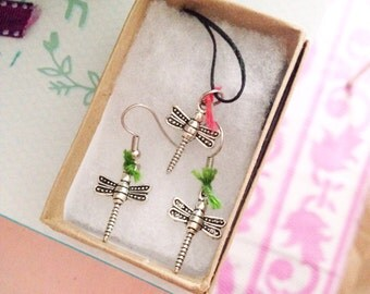 Dragonfly gift set - necklace and earrings