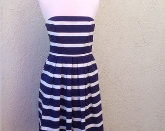90s Nautical dress in Navy and white bold stripes / the GAP / size 6 / Strapless sundress / Fourth of July