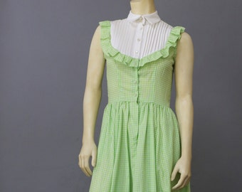 Vintage 50's 60's Green Gingham Check Picnic Day Dress A Line Dress Sundress with Bib and Pockets