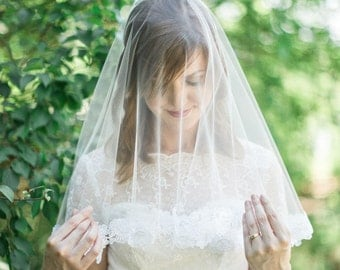 Wedding drop veil, blusher veil with lace, ivory drop veil, bridal veil, tulle veil, white drop veil, short veil with lace,  Style 814