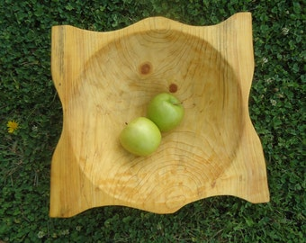 Hand carved wood bowl - Wood bowl - Log cabin Decor - Carved wood bowl -  Wood carving - Wooden bowl - Table centerpiece - Pine wood bowl