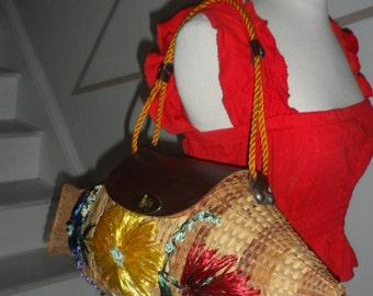 LARGE wicker figural purse vintage flowers large storage unique piece floral big catch
