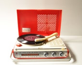 Vintage Portable AM Radio & Record Player - JVC Nivico RS-2100A - Made in Japan