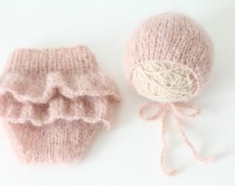 Newborn props - Newborn shorts - Baby girl props - Photo props - Newborn girl - Baby photo prop - Newborn baby photo - Pale pink - 3-6 month
