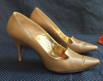 Vintage 1950s Mr. Stanley Philipson Couture Tan Leather Gold Metal Accent Pumps Retto Rockabilly Pin up Handmade High Heels Brown 5 1/2 50s