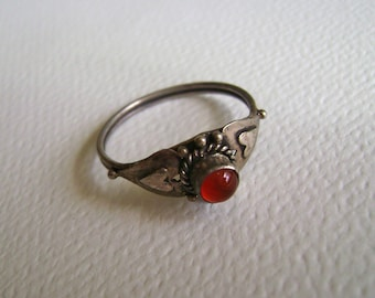red stone sterling ring with hearts, size 7
