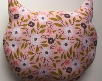 Cat-shaped decorative cushion