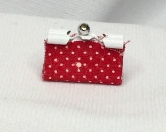 """Dollhouse Miniature 1"""" Scale Clutch Purse in Red & White Print"""