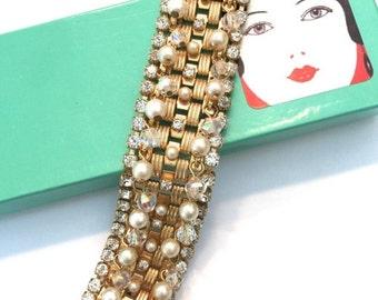 Hobe' Faux Pearl and Rhinestone Bracelet