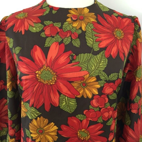 Vintage dress 1970s maxi hippy daisy gerbera print christmas pointsettia floral flared sleeves long disco red flower power UK 18 plus size