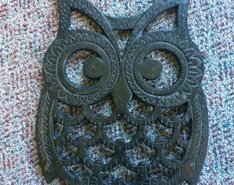 Retro 1970's Black Metal Owl Trivet/ Pot Stand, 10""