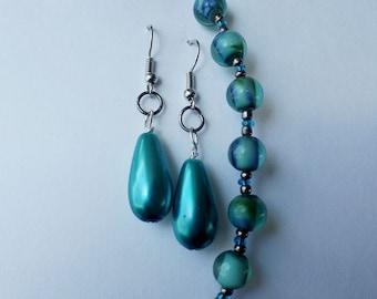 Blue earrings and bracelet set