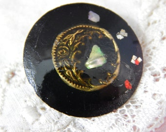 John Porter Watch Crystal Studio Button with Shell Chips and Metal Flower