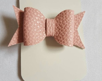 Small pale pink PU leather look hair bow clip