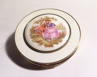 Vintage compact mirrors ROMANTIC GIFTS for her Mascot powder compact bridesmaids gifts