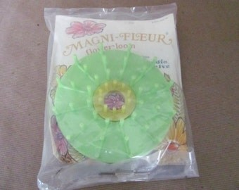 Vintage Flower Loom, 1970's Flower Loom, Magna-Fleur by Studio Twelve, Yarn, Ribbon, Straw Flower Maker, Vintage Craft Supply