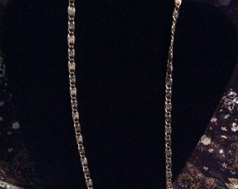 Avon gold tone necklace 29 in
