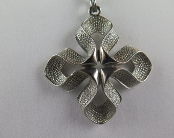 Lisner Silver Tone Cross Necklace