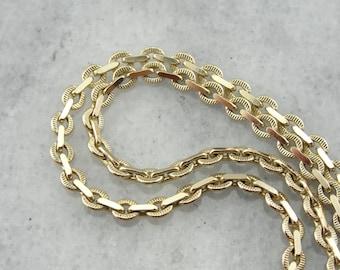 Interlocking Ovals: Textured Flat Link Rolo Chain  3KE6X7-R