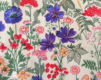 70s vintage retro fabric floral pattern. Quilting fabric  scandinavian design sewing crafts vintage fabric