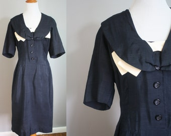 1950's Silk Dress // Wiggle Style with Bow // Small
