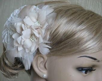 Bridal fascinator Cream fascinator Wedding fascinator Ivory fasciantor Champagne fasciantor Ivory flower Lace fasciantor Feathers fasciantor