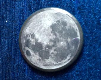 The Moon 25mm Badge