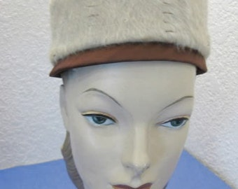 Vintage 1950s/60s Lilly Dache Dachettes Ladies Fuzzy Pillbox Hat
