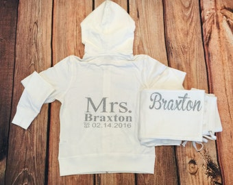 Mrs. tracksuit. Personalized date / Last Name sweatshirt. Maid of Honor. Bridesmaid . Mrs Name Hoodie. Wedding Bridal Party.