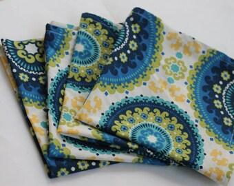 White and blue medallion cloth napkins, medallion table linens, table decor, shower gift, housewarming gift, hostess gift