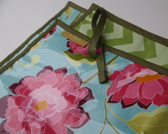 36x42 Reversable Splat Mat - Flowers with Green Chevrons