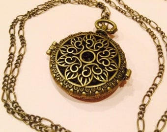 Aromatherapy Necklace with 5 refill scent pads, antique-pocket watch style locket for aromatherapy