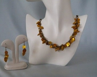 Wood & Shell Necklace Set