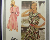 UNCUT Vtg 1980 Simplicity 9444 Jiffy PULLOVER DRESS Pattern sizes 16-18-20