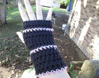 Fingerless Glovers in Pink and Black