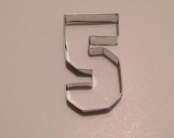 """3.5"""" Collegiate Number Five Cookie Cutter"""