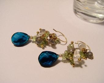 Earring kyanite blue faceted gold grape