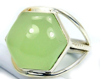Green Prehnite & .925 Sterling Silver Ring Size 7 ,  R435