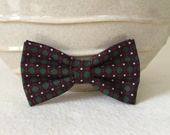 Dog Bow / Bow Tie - Green Red Basketweave Plaid