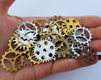 Wholesale Vintage Brass Steampunk Gear Pendant, Antique Bronze, Gold and Silver Charms, DIY SteamPunk Jewelry, Gears