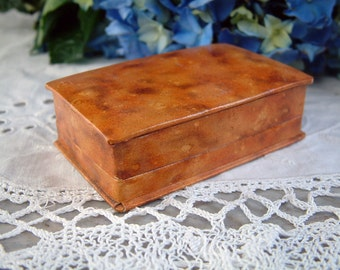 Vintage french jewelry box. Vintage brooch box. Vintage engagement ring box. Vintage cuff link box. Faux wood. Vintage ring box