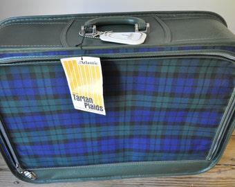 Vintage Atlantic Tartan Plaid Grasshopper Suitcase. Dark Green Vinyl, Blue & Green Plaid. Soft Side Luggage. Like New Never Used. Retro Hip!