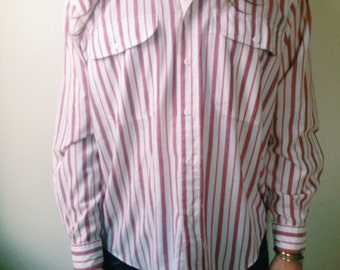 Men's Vintage Red and White Striped Levis Button Up Shirt