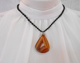 Orange oval stone necklace handmade jewelry wax Thailand (JN1068-OR)