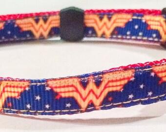 wonderwoman collar
