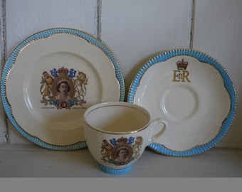 Clarice Cliff teacup trio - Coronation