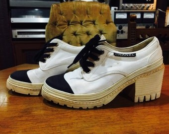 CHANEL sale from 350! Vintage 90s Chunky Heel Canvas Sneakers. Will fit Size 5.