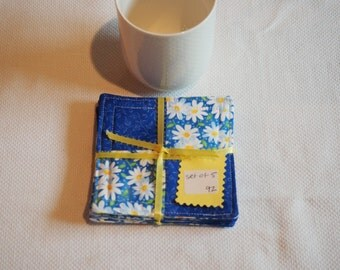 Daisy drink coasters, set of 5, blue, yellow, white